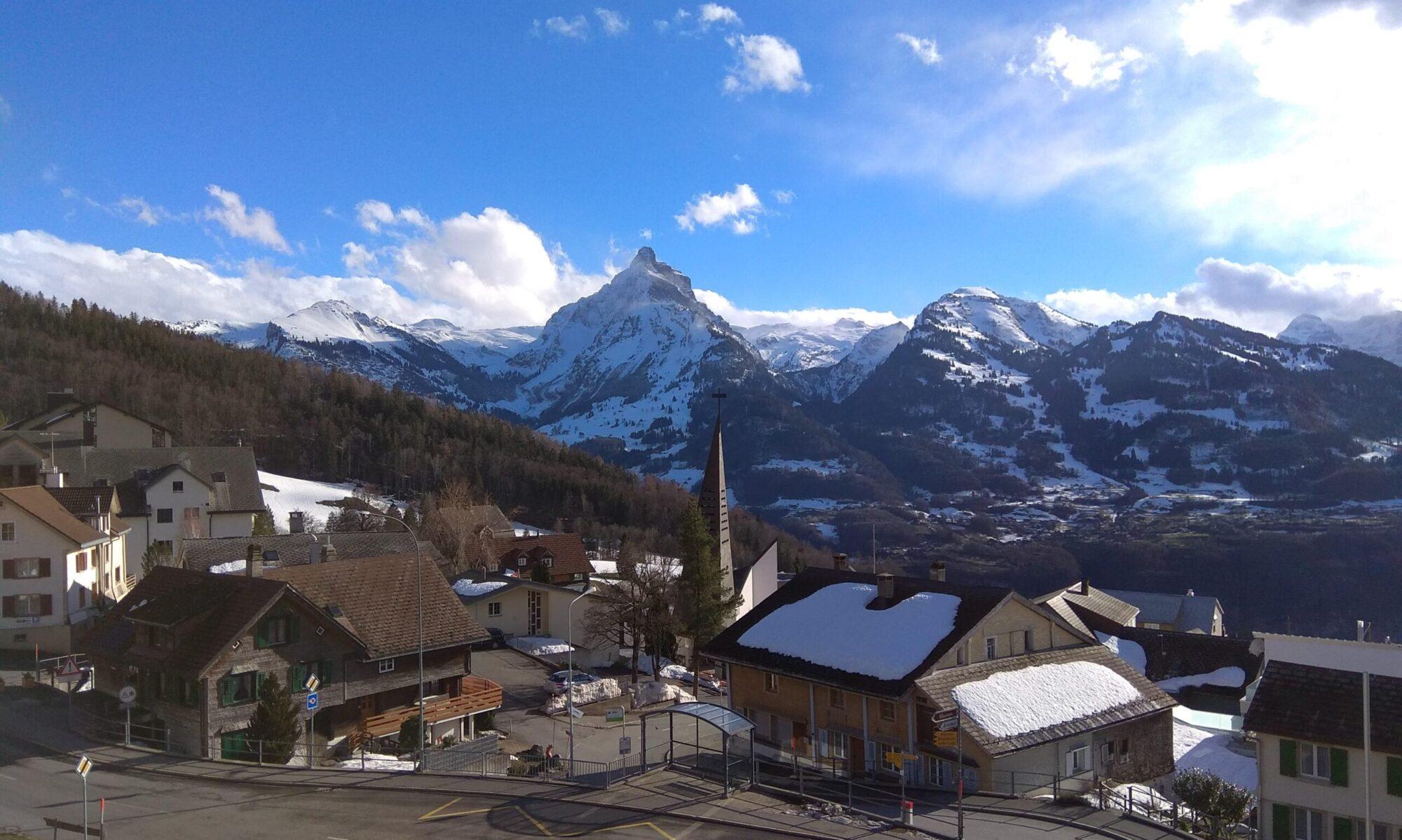 Dachwohnung mit wunderbarer Aussicht auf die Berge